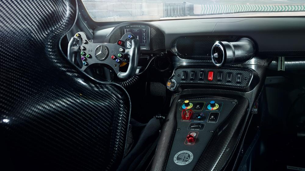 MB_GT4 Cockpit