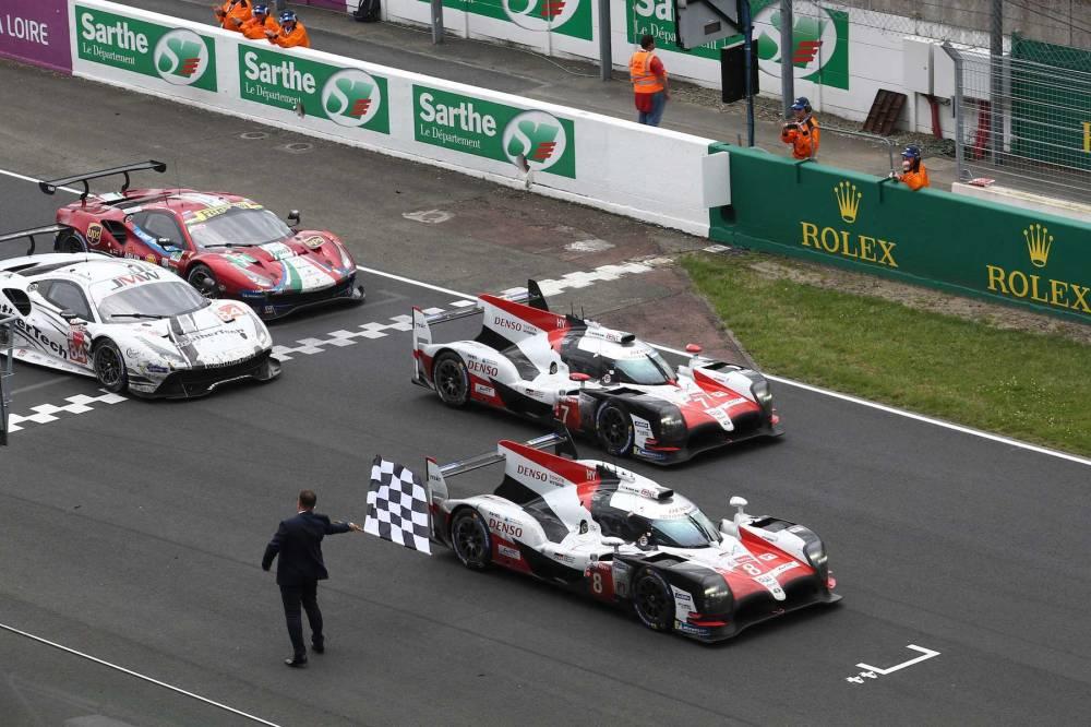 Toyota-wins-2018-Le-Mans-24-Hours-001