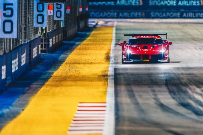 Ferrari_Challenge_R6_Fri_1_0004